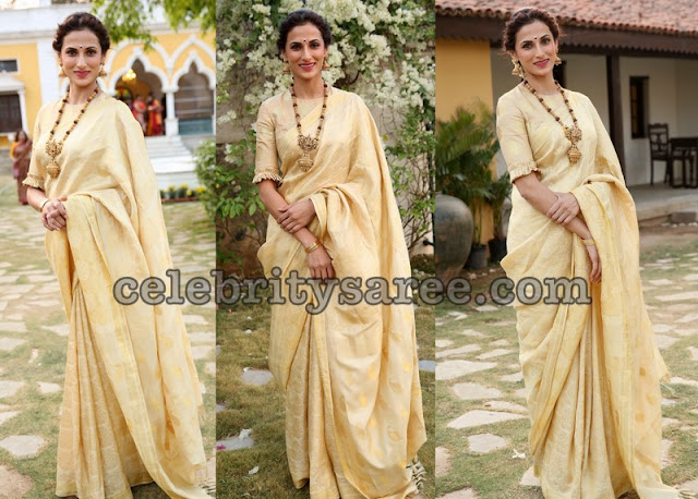 Shilpa Reddy Off White Benaras Saree