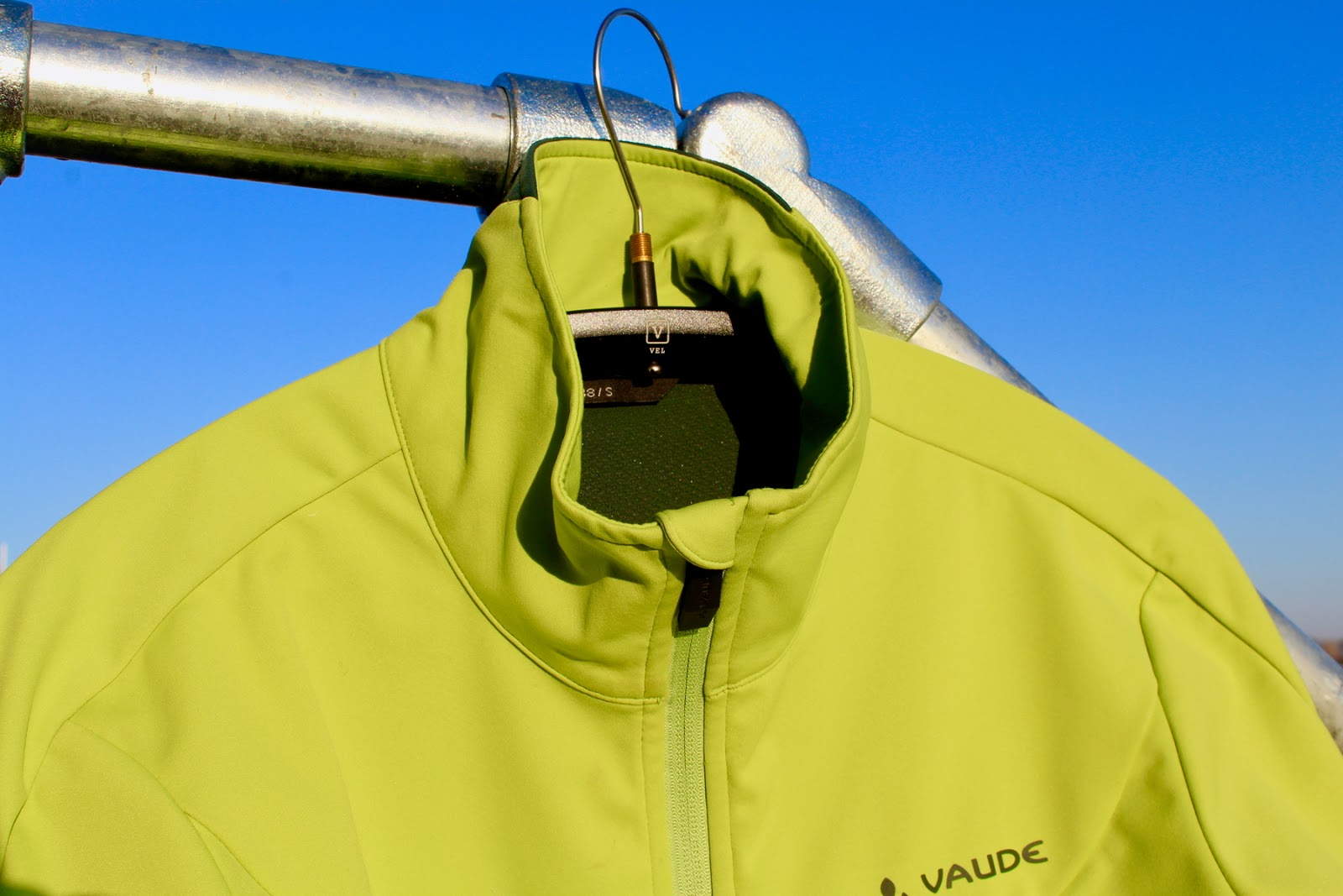 new product 7c6d3 644d3 Review - Vaude Men's Steglio Softshell Winter Cycling Jacket