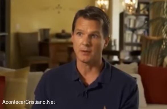 Ex médico ateo se convierte al cristianismo