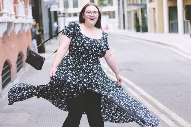 Plus size blogger Simply Be star dress