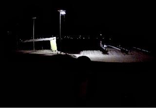 Balsa para atravessar o Lago Titicaca a noite.