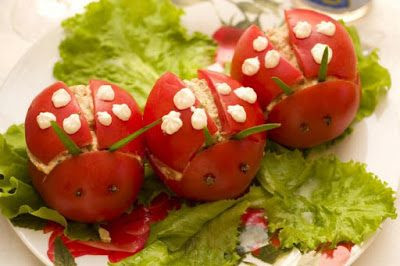 http://eda.parafraz.space/salat-bozhi-korovki-s-syirom-i-orehami-2/