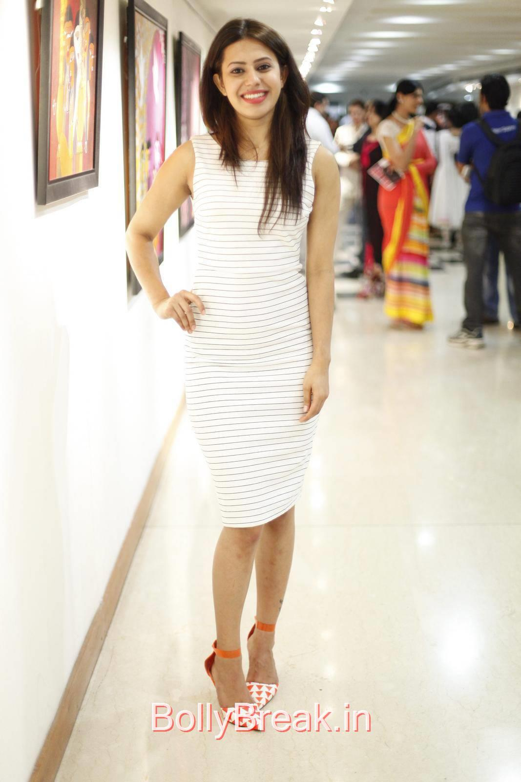 Ranya Photo Gallery, Ranya Hot HD Pics from Rangoli Garg Solo Art Show Gallery