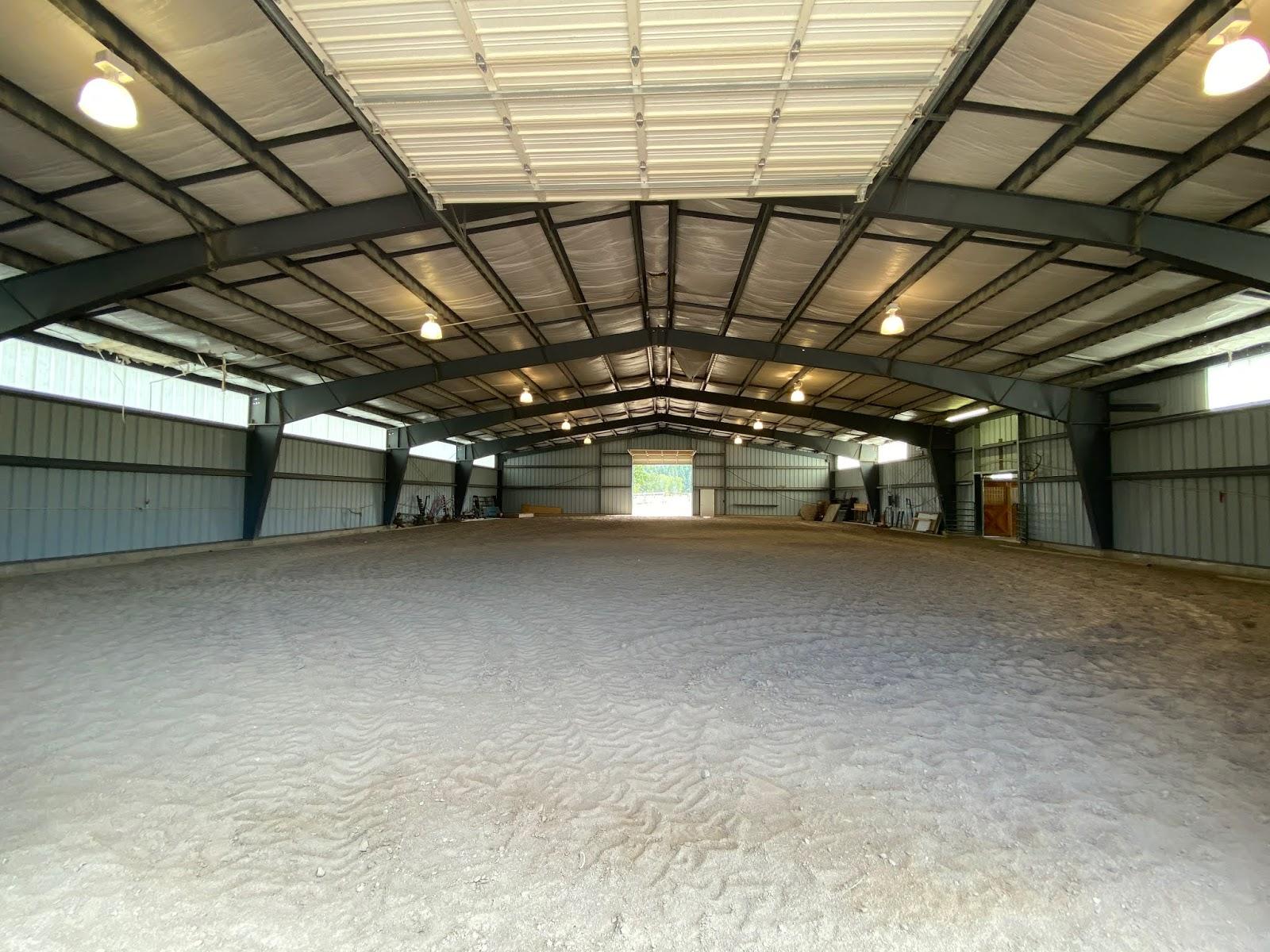 Indoor arena wedding Montana Fox Crossing Farm