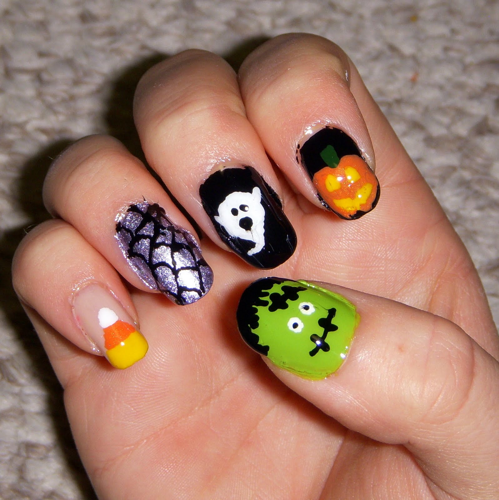 Quixii's Nails: 10/28/11 - Halloween Nails