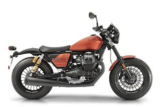 Moto-Guzzi-V9-Bobber-Sport-lateral