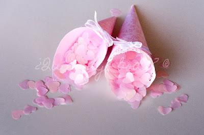 Conos de papel artesano con decoracion personalizada