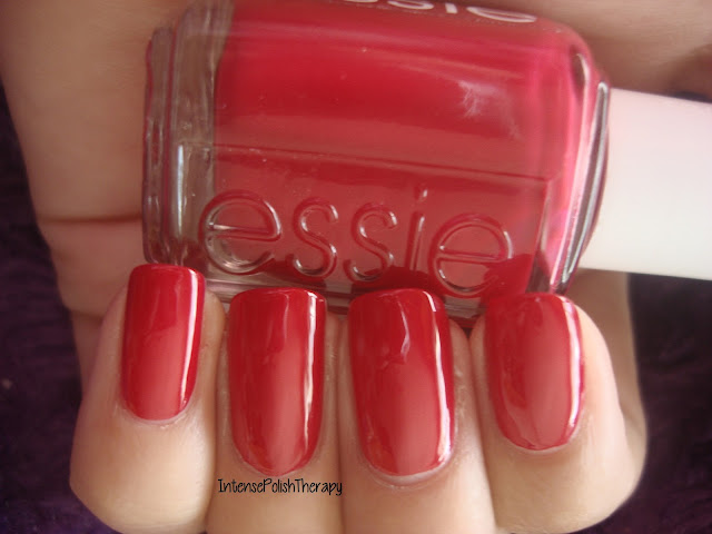 Essie - She's Pampered