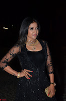 Sakshi Agarwal looks stunning in all black gown at 64th Jio Filmfare Awards South ~  Exclusive 091.JPG