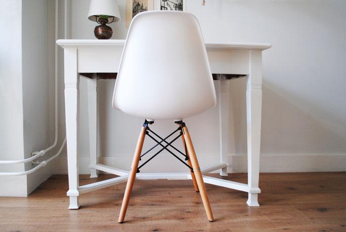 Eames Stoel Houten Poten.Dutch Design On A Budget New In Dsw Replica