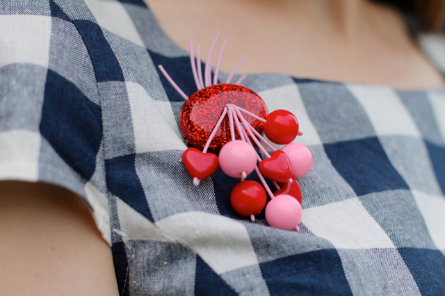 Luxulite red and pink valentines heart brooch
