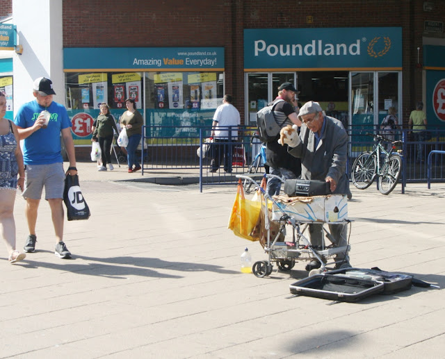 The world's worst busker?