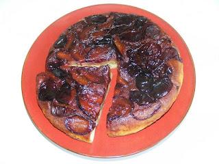 prajitura cu prune rasturnata, tarte, prajituri, dulciuri, deserturi, retete culinare, prajituri cu fructe,