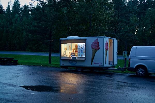 Hannu Pakarinen photo documental, finland people, ice cream car,