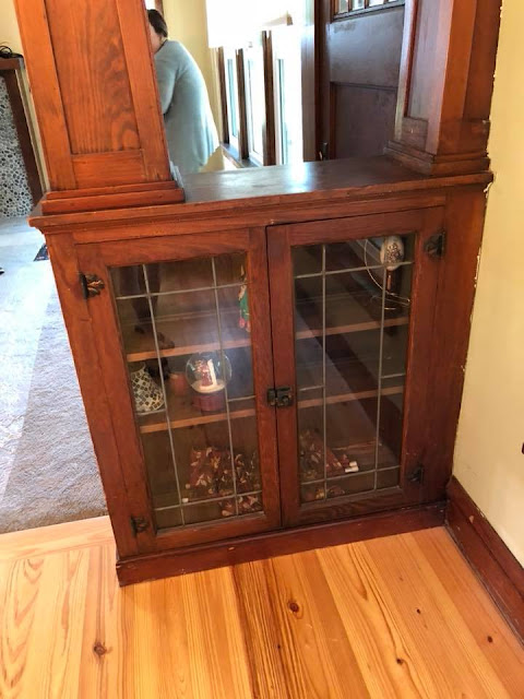 Sears Craftsman style colonnades and bookcases in Sears Sunbeam