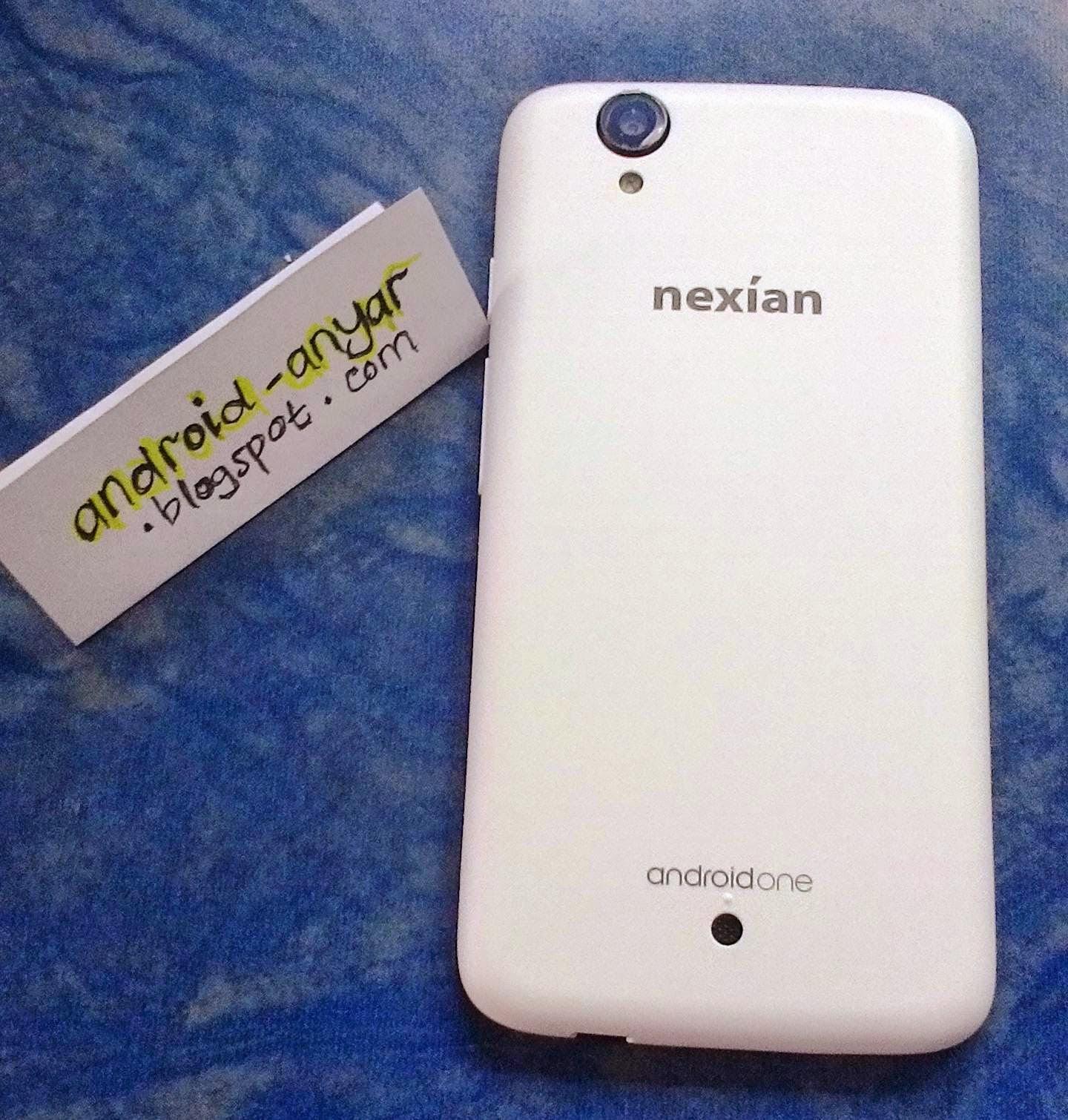 Tampak Belakang: AndroidOne Nexian Casing tidak licin