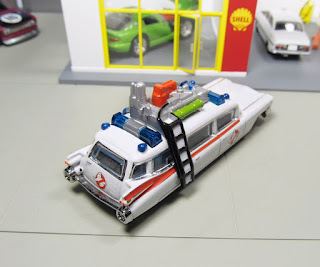 Hot Wheels red line club Ghostbusters Ecto-1