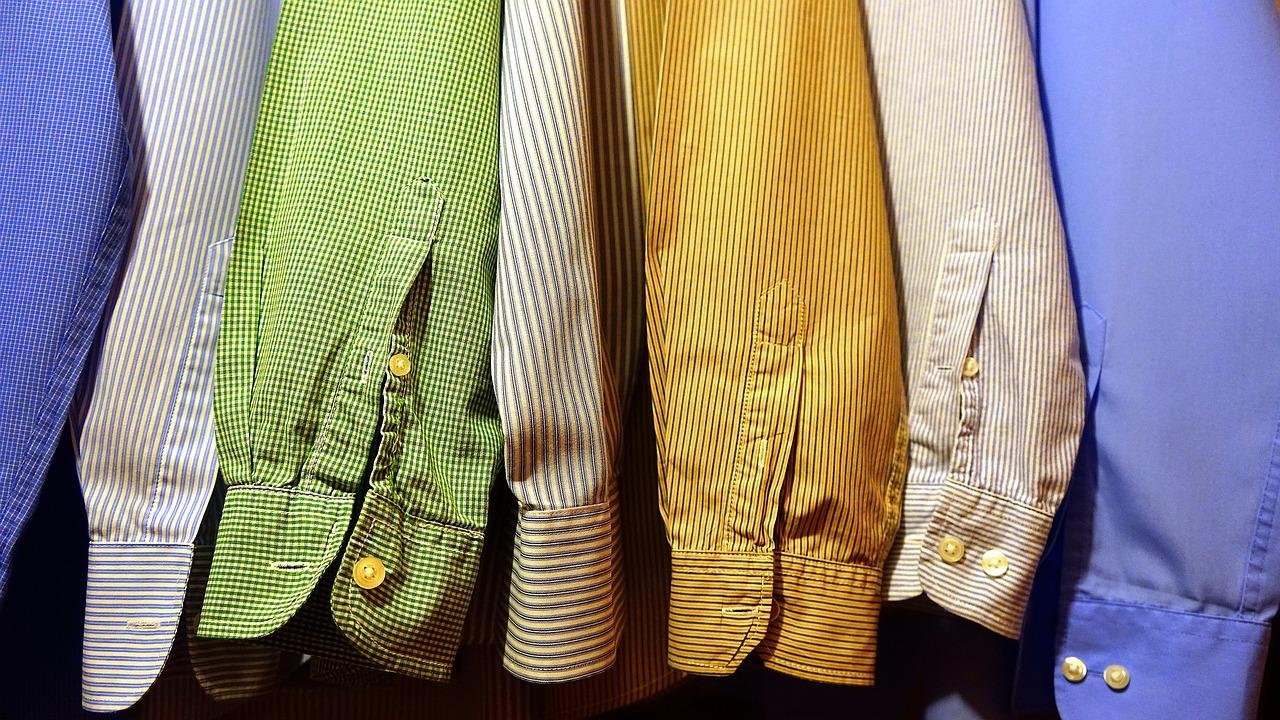 Cara Menyimpan Pakaian Berdasarkan Jenisnya