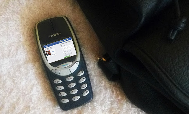 nokia 3310 joke, facebook