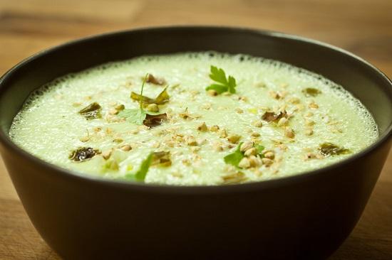 supa crema de avocado si cocos