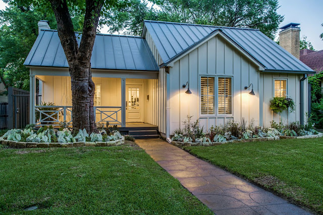 Hospitable pursuits cottage chic in university park a for Metal board and batten siding