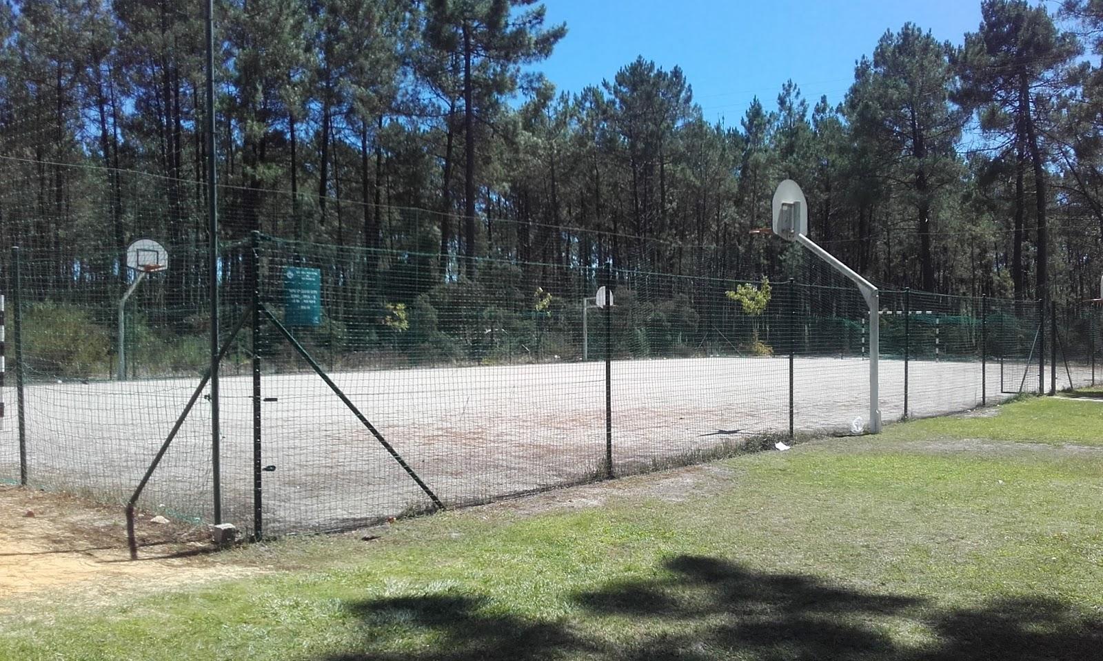 Campo de Futebol e Basquetebol dos Olhos da Fervença