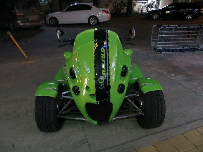 Морда трехколесного мотоцикла