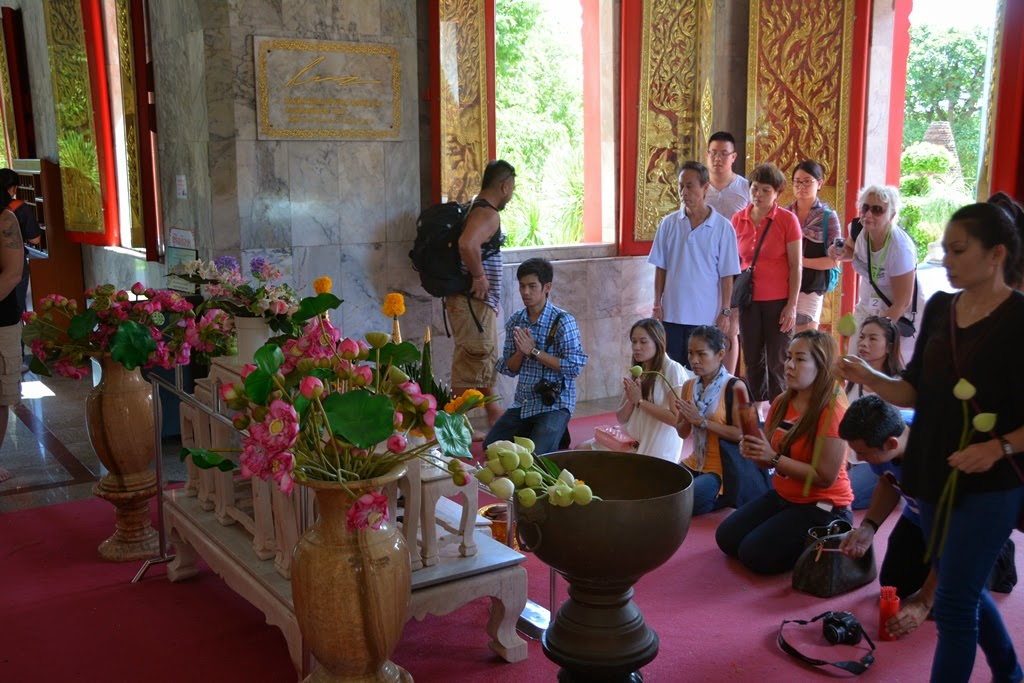 Wat Chalong Temple Phuket worship