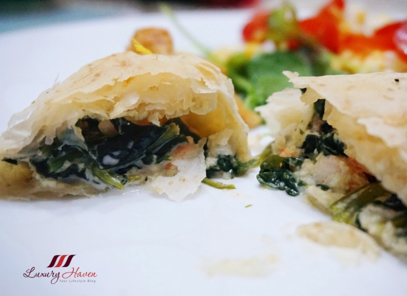 philadelphia cream cheese christmas spinach phyllo rolls