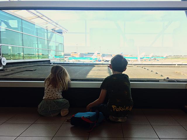 vliegtuigen kijken kinderen