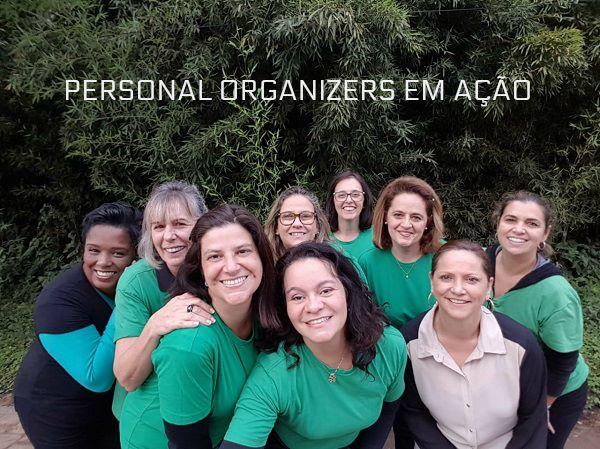 Foto das Profissionais de Organização que participaram da organização na casa da cantora Perla