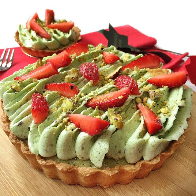 Life is too short, eat desserts: Strawberry Pistachio Frangipane Tart