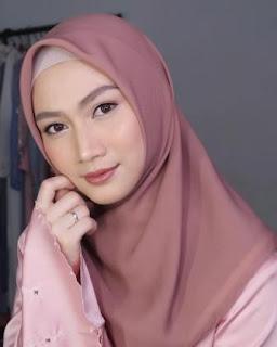 Foto Biodata Melody 48 Jilbab Hijab di Iklan Pond's Pure White terbaru