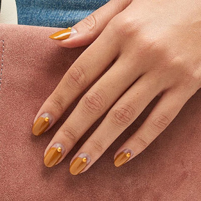 it is not just the wearable trends on the runways which take us by warm but also the unco ✘ 33+ Latest Fall Nail Colors Ideas From The Runways To Try In 2020