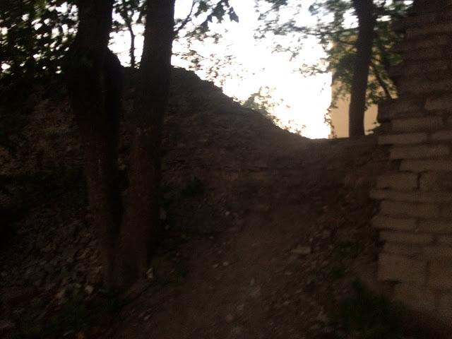 Проход через старую крепость, Псков