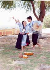Foto de jóvenes bailando tondero