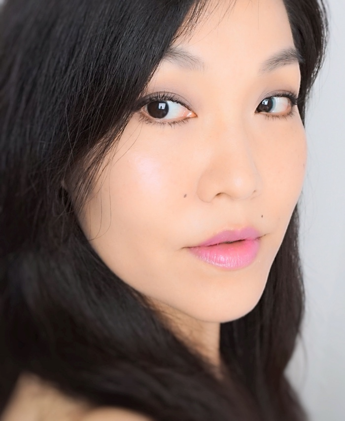 L'Oreal Shine Lipstick Glazed Pink review swatch