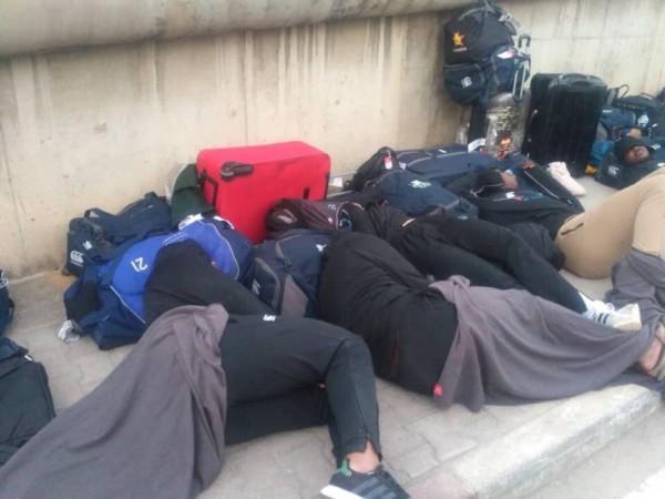 Zimbabwe's National Rugby Team sleep by the Roadside in Tunisia