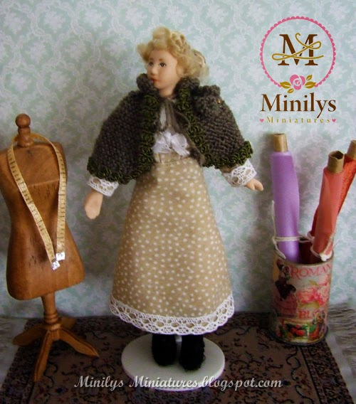 """minilys miniatures"" doll dress, capa lana, 1:12"