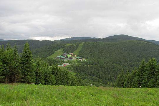 Červenohorské sedlo (niem. Roter Berg Sattel; 1013 m n.p.m.).