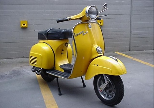 modifikasi vespa antik warna kuning