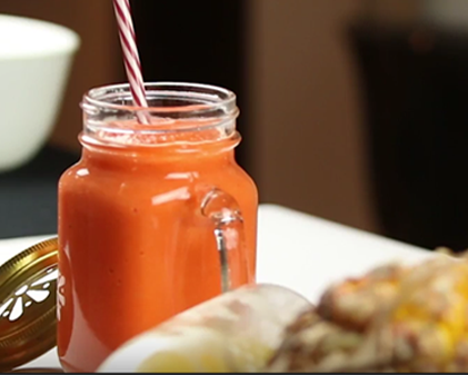 Pineapple and carrot healthy smootie