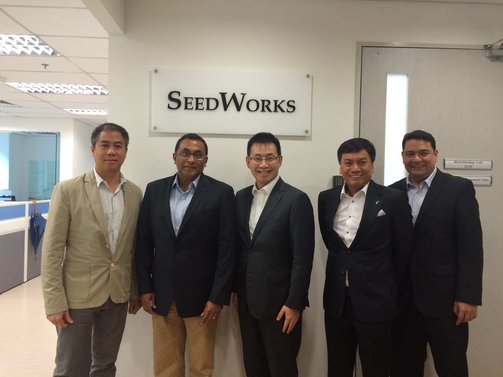Jardine Inks Five Year Deal With Seedworks For New Hybrid Rice Seeds Andrew Smith Regular 5 Pockets Hitam 34 Taking Part In The Philippines Bid To Strengthen Its Sufficiency Distribution Inc Jdi Inked A Distributorship Agreement