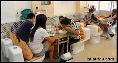 kalautau.com - Cafe suasana toilet / jamban