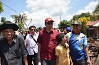 Gubernur NTB Turun Langsung ke Lokasi Banjir, Serahkan Bantuan pada Korban