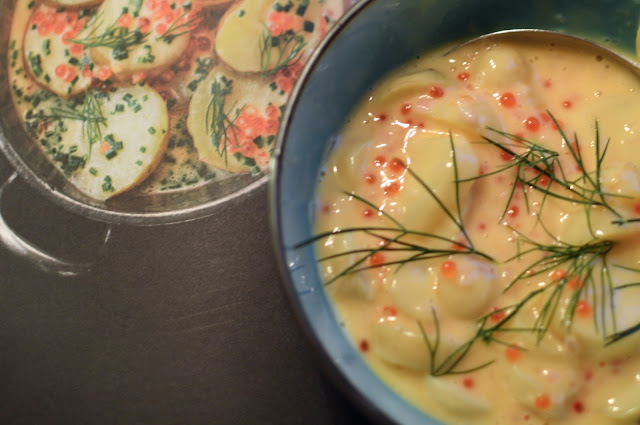 muhennetut perunat, beurre blanc, kirjolohenmäti