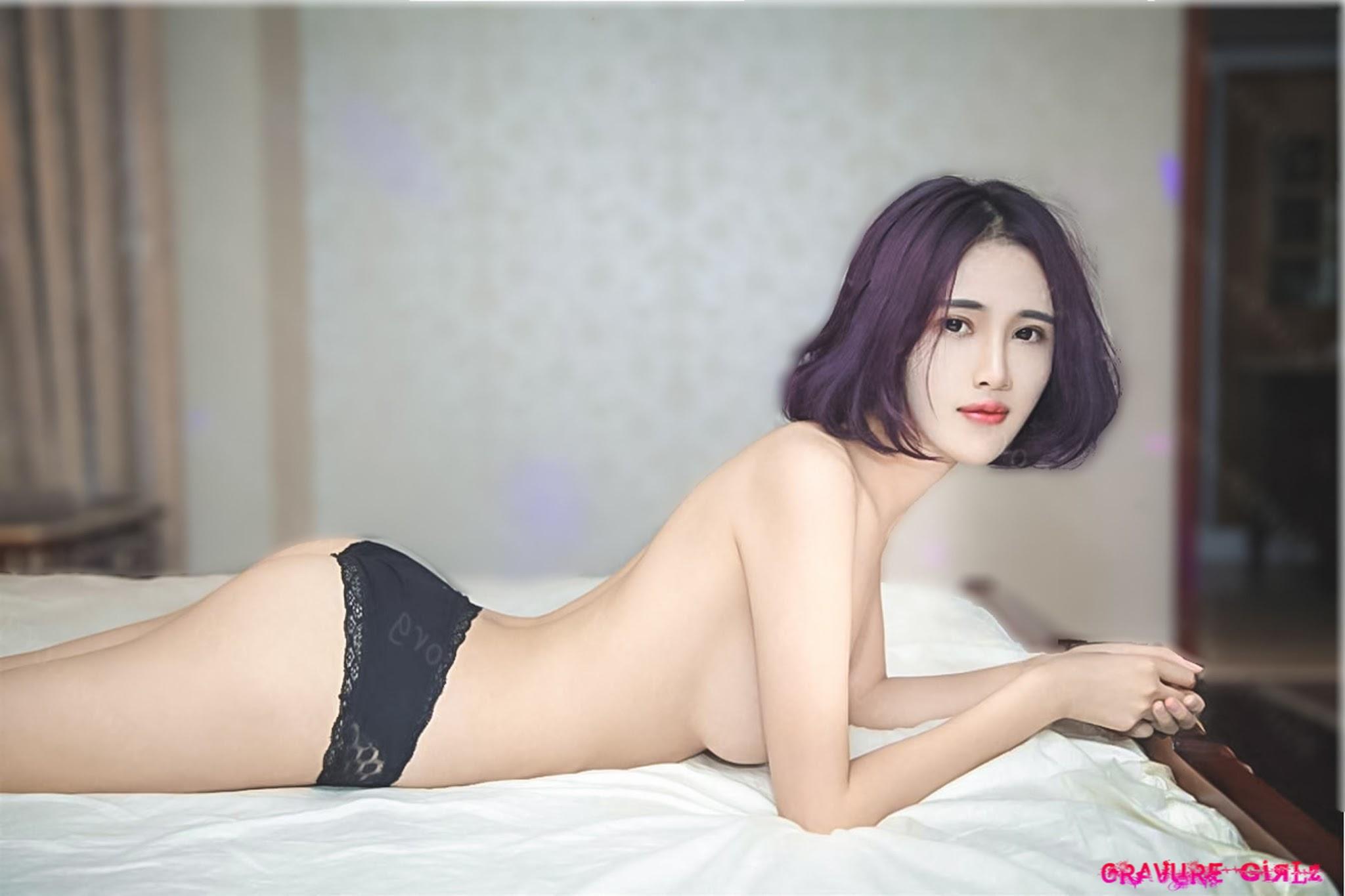 kim domingo topless picture