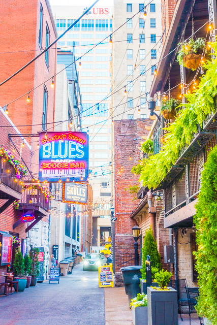 Printers Alley - great bar hopping in downtown Nashville, TN