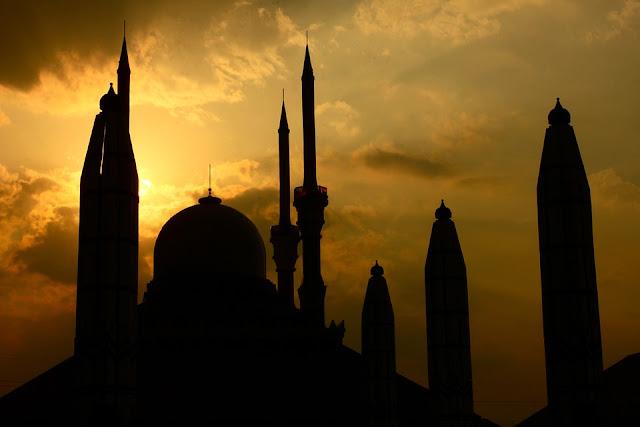 Proses dan Teori Masuknya Islam di Wilayah Nusantara (Indonesia)