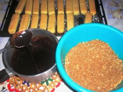 حلوى محشية بالكوفريت ومفندة بالشكلاط